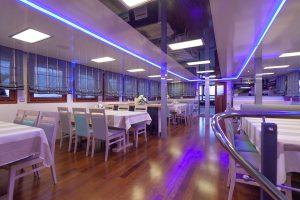 Paradis Dining room