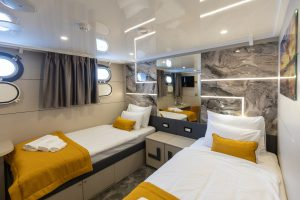 Freedom Lower Deck twin bed cabin