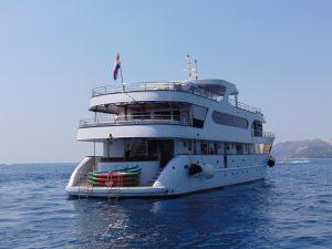 MS Invictus Deluxe Croatia Cruise Ship